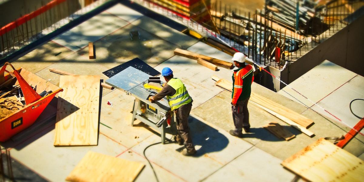 https://www.indinero.com/wp-content/uploads/2018/06/construction-construction-workers-create-159306-pexels-1200x600-1.jpg
